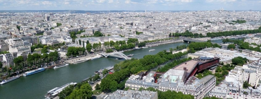 Sightseeing in Paris France: Seine River Cruise