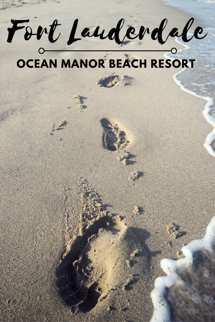 Ocean Manor Beach Resort Fort Lauderdale: Footsteps in the sand at Fort Lauderdale Beach