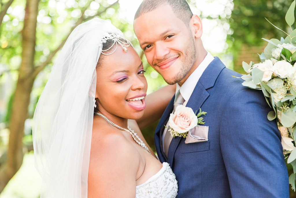 How to save for wedding using wedding savings accounts.